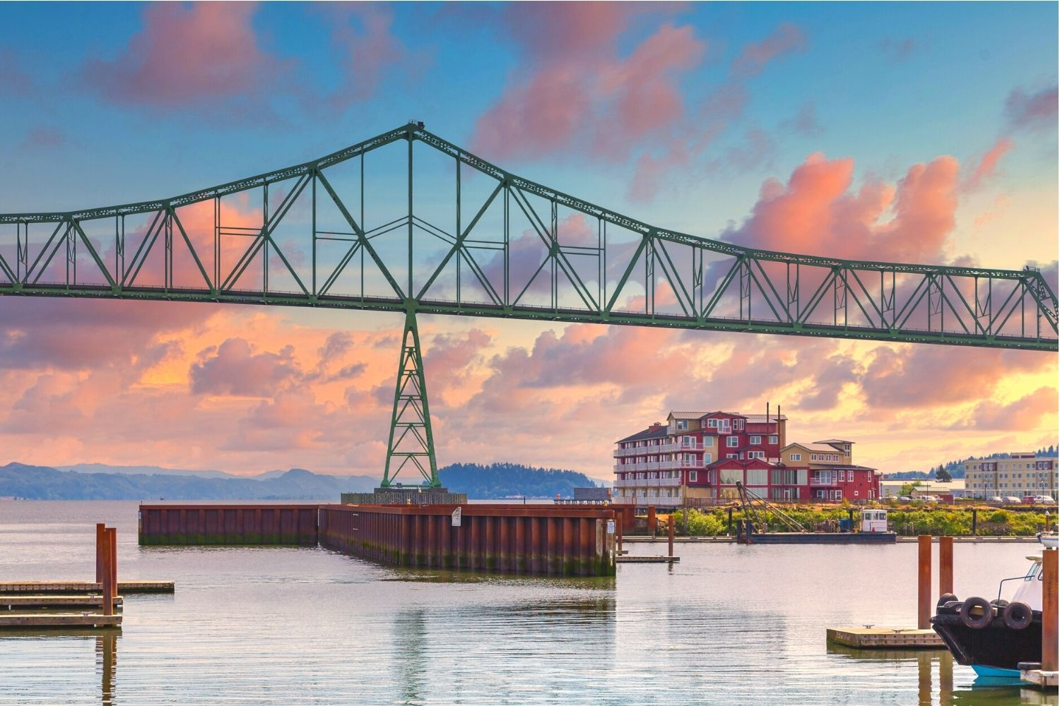 astoria bridge and cannery pier hotel