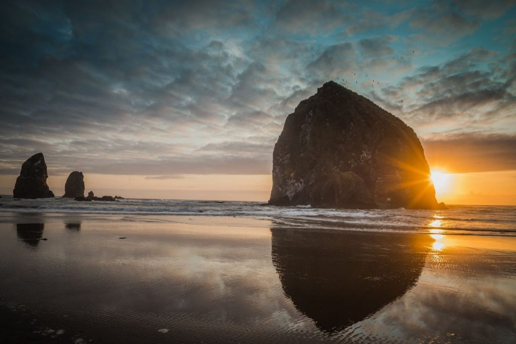 things to do in cannon beach: haystack rock
