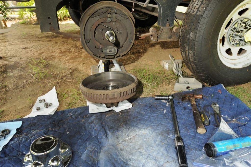 mobile RV repair tire and wheel bearings